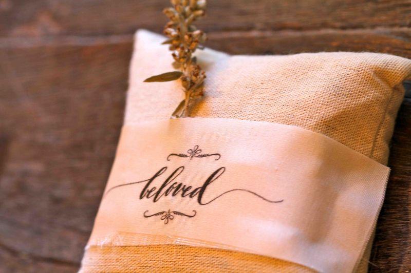 calligraphy gift tag sachet