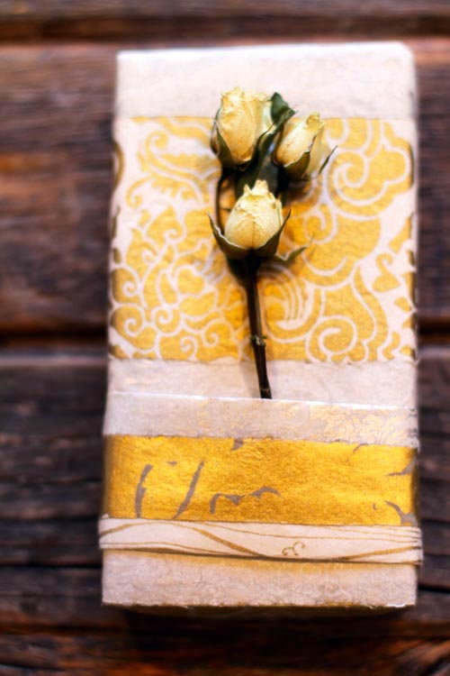 Gold rose wrapbright