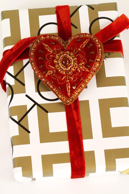 Velvet heart wrap